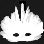 маска белая