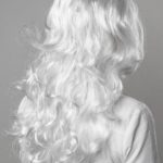 парик белый